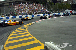 The start: Jimmy Vasser in trouble