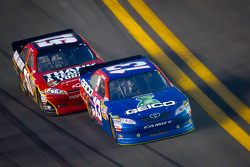 Casey Mears, Germain Racing Toyota, Landon Cassill, Chevrolet