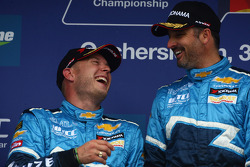 Robert Huff, Chevrolet Cruze 1.6T, Chevrolet 2nd position and Yvan Muller, Chevrolet Cruz 1.6T, Chevrolet race winner