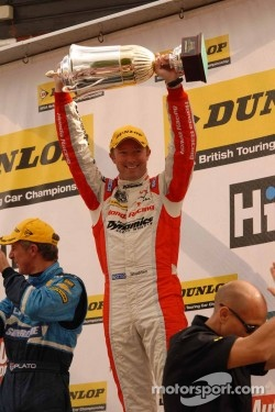 Round 17 Race Winner Gordon Shedden