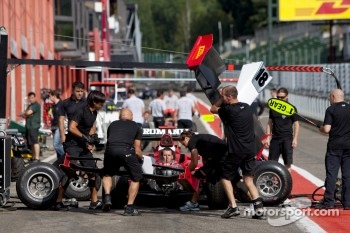 Michael Herck and the Coloni team practice pit stops