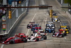 Start: Peter Dempsey, Andretti Autosport and Anders Krohn, Belardi Auto Racing battle