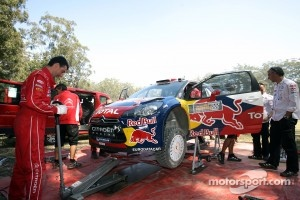 Citroën Total World Rally team members at work