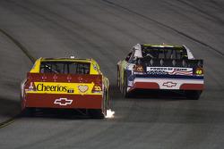 Clint Bowyer, Richard Childress Racing Chevrolet and Jimmie Johnson, Hendrick Motorsports Chevrolet