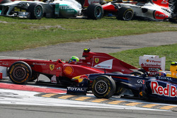 Felipe Massa, Scuderia Ferrari and Mark Webber, Red Bull Racing come together