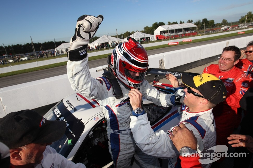 GT 2011 champions Andrew Davis and Leh Keen celebrate