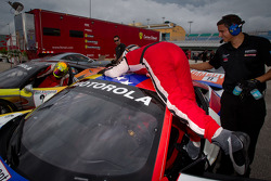 Race winner #22 Ferrari of Ft. Lauderdale Ferrari 458 Challenge: Enzo Potolicchio celebrates