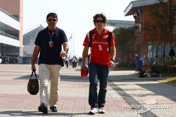 Fernando Alonso, Scuderia Ferrari and his manager