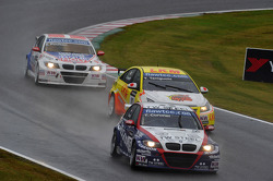 Tom Coronel, BMW 320 TC, ROAL Motorsport, Yukinori Taniguchi, Chevrolet Lacetti, Bamboo-Engineering and Kristian Poulsen, BMW 320 TC, Liqui Moly Team Engstler