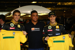 Vitaly Petrov, Lotus Renault GP with Ronaldo and Bruno Senna, Lotus Renault GP