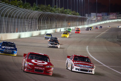 Juan Pablo Montoya, Earnhardt Ganassi Racing Chevrolet, Trevor Bayne, Wood Brothers Racing Ford