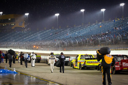 Rain stops the race