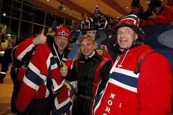 Henning Solberg with fans