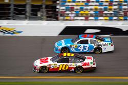 Greg Biffle, Roush Fenway Racing Ford, Aric Almirola, Richard Petty Motorsports Ford