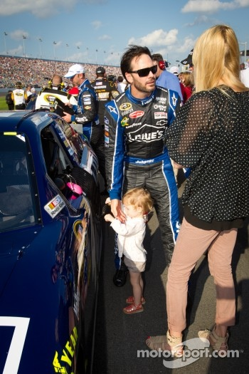Jimmie Johnson, Hendrick Motorsports Chevrolet with wife Chandra and daughter Genevieve Marie