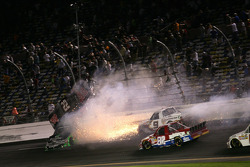 Joey Coulter, Richard Childress Racing Chevrolet and James Buescher, Turner Motorsports Chevrolet crash