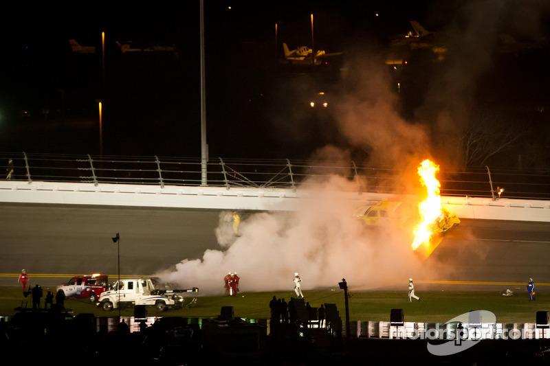 Juan Pablo Montoya, Earnhardt Ganassi Racing Chevrolet crashes into a jet dryer truck, fire catches