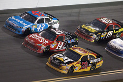 Jeff Burton, Richard Childress Racing Chevrolet, Tony Stewart, Stewart-Haas Racing Chevrolet and Aric Almirola, Richard Petty Motorsports Ford