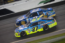 Paul Menard, Richard Childress Racing Chevrolet and Brad Keselowski, Penske Racing Dodge