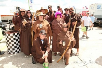 The crazy Sebring fans
