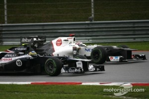 Bruno Senna, Williams F1 Team and Kamui Kobayashi, Sauber F1 Team