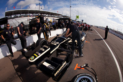 Car of Oriol Servia, Lotus Dreyer & Reinbold Racing Lotus