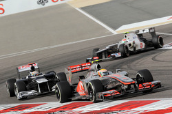 Lewis Hamilton, McLaren Mercedes leads Pastor Maldonado, Williams F1 Team