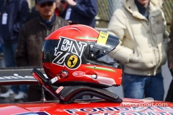 Enzo Ide's helmet