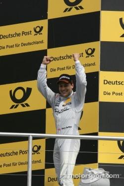 Winner Gary Paffett, Team HWA AMG Mercedes, AMG Mercedes C-Coupe