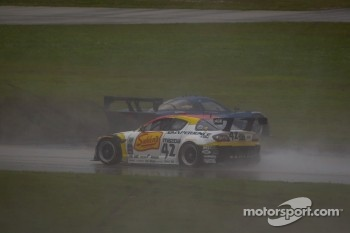 Restart: #90 Spirit of Daytona Chevrolet Corvette DP: Antonio Garcia, Richard Westbrook spins