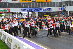 The Castrol crew celebrates during the final