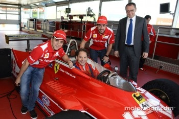 Felipe Massa, Jacques Villeneuve, Fernando Alonso and Stefano Domenicali with the 312 T4