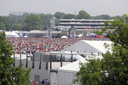 A huge crowd at the Lynyrd Skynrd Concert