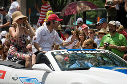 Indy 500 festival parade: Dario Franchitti, Target Chip Ganassi Racing Honda with wife Ashley Judd