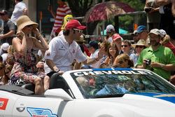Indy 500 festival parade: Dario Franchitti, Target Chip Ganassi Racing Honda with wife Ashley Judd