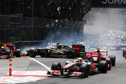 Romain Grosjean, Lotus F1 crashes at the start of the race