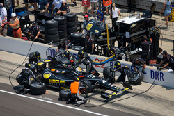 Pit stop for Oriol Servia, Dreyer & Reinbold Racing Chevrolet