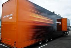 McLaren support truck