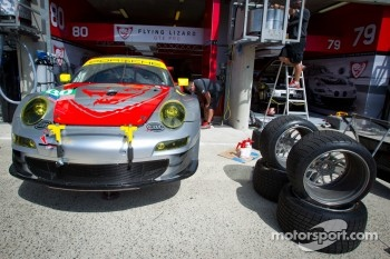 #80 Flying Lizard Motorsports Porsche 911 RSR