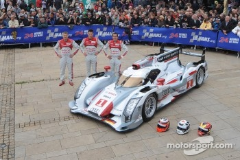 #1 Audi Sport Team Joest Audi R18 E-Tron Quattro: Marcel Fssler, Andre Lotterer, Benoit Trluyer