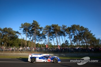 #7 Toyota Racing Toyota TS 030 - Hybrid: Alexander Wurz, Nicolas Lapierre, Kazuki Nakajima