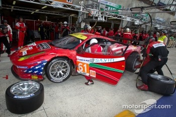 Pit stop for #61 AF Corse-Waltrip Ferrari F458 Italia: Robert Kauffman, Rui Aguas, Brian Vickers
