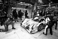 Le Mans Fotos - Parada en boxes del #1 Audi Sport Team Joest Audi R18 E-Tron Quattro: Marcel Fässler, Andre Lotterer, Benoit Tréluyer