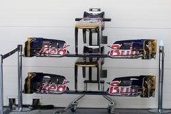 Scuderia Toro Rosso STR7 front wings