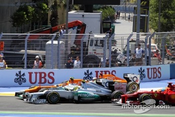 Paul di Resta, Sahara Force India; Nico Hulkenberg, Sahara Force India F1 Nico Rosberg, Mercedes AMG F1 and Fernando Alonso, Ferrari at the start of the race