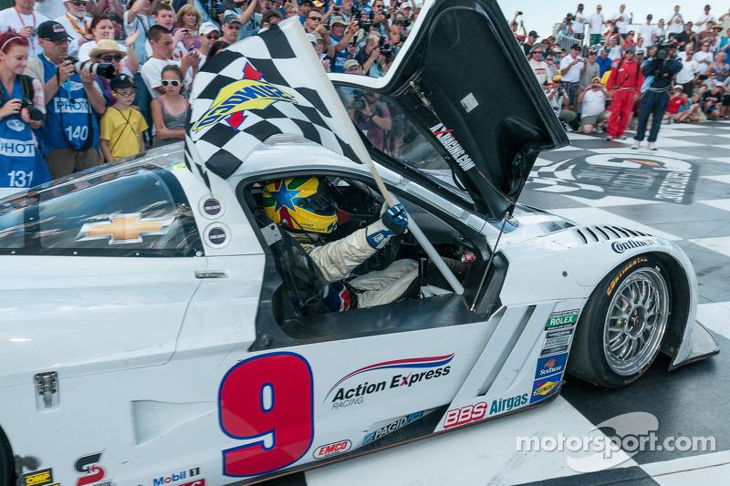 Joao Barbosa drives into victory lane