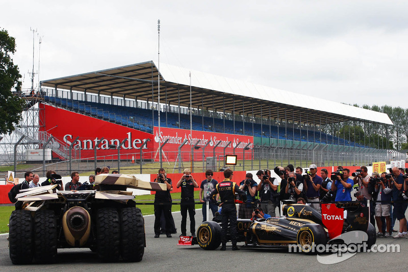 Romain Grosjean, Lotus F1 E20 with the Tumbler vehicle from the Batman movie The Dark Night Rises