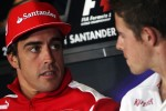 Fernando Alonso, Ferrari with Paul di Resta, Sahara Force India F1 in the FIA Press Conference