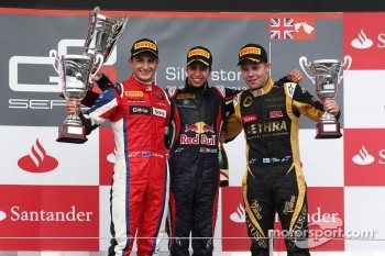 Podium: race winner Antonio Felix Da Costa, second place Mitch Evans, third place Aaro Vainio