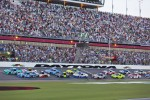Start: Matt Kenseth, Roush Fenway Racing Ford leads